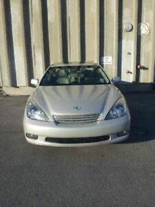 Luxury Japanese Lexus ES300 with only 157,500km certified.