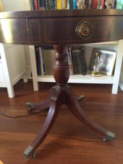 Beautiful antique table Mount Hawthorn Vincent Area Preview