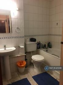 1 bedroom flat in Canons Drive, Edgware, Middlesex, HA8 (1 bed)