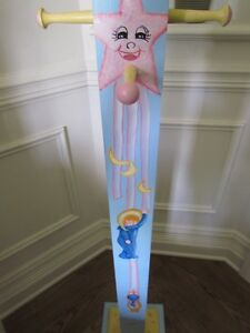 OLIVIA*** COAT HANGER HAND PAINTED by artist for GIRLS BABY ROOM West Island Greater Montréal image 4