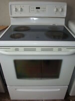 Frigidaire flat top stove,with self clean oven Ottawa Ottawa / Gatineau Area Preview