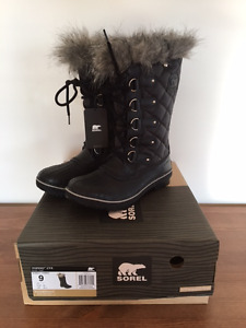 New with Tags Sorel Tofino Boots