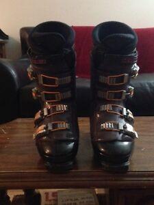 Nordica Ski Boots (Vertech 75) - Men's 10 (31 cm)