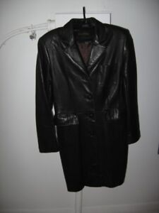 Vintage DANIER Ladies Leather Coat/Manteau de Cuir Dames