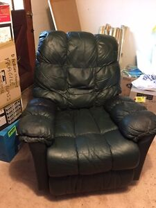 Recliners Buy Or Sell Chairs Amp Recliners In Nanaimo