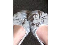 Well Worn Women's Slippers.