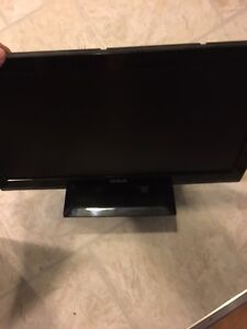 Selling 18 inch RCA 1080p LCD TV for $60.00