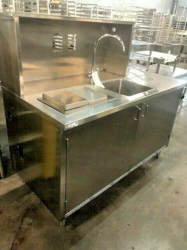 WAITRESS STATION W/ 1 - ICE WELL & SINK & CABINETS #14719