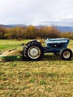 Ford late model 2000 Tractor