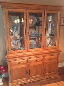 Dining room set with buffet/hutch West Island Greater Montréal image 2