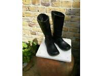 Dr Martens Boots.(size3 UK)