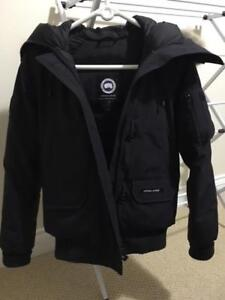 ***CANADA GOOSE WOMENS SMALL CHILLIWACK BOMBER - NAVY***