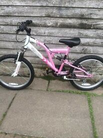 pink girls mountain bike