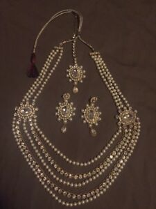Indian Set - Haar necklace, earrings and tikka