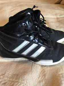 Basketball shoes - size 71/2 womens, 51/2 mens
