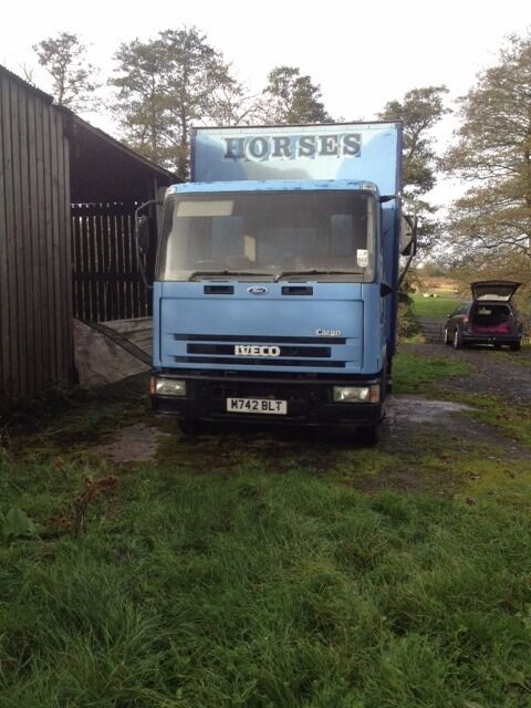 Horse lorry iveco ford cargo 75E14