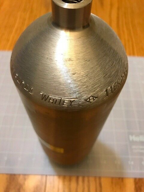 "Sample Cylinder, 304 Stainless Steel double ended Female  1/4"" Pipe fittings."