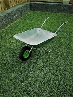 wheel barrow galvanised 65ltr tray with pneumatic (pump up) tyre