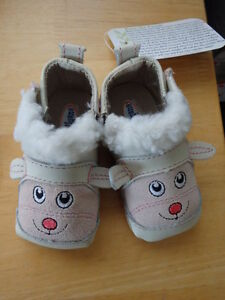 Soft-soled infant shoes (Robeeze style) 0-3month, gender neutral
