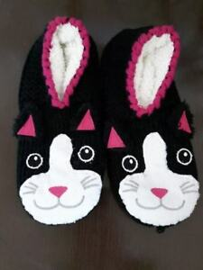 Size 8 Women's Kitty Slippers Never Worn!