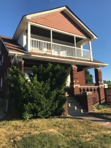 SPACIOUS 2 BDRM IN EAST WINDSOR - $1350++