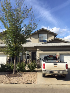 Furnished/unfurnished townhouse in Fort Sask.