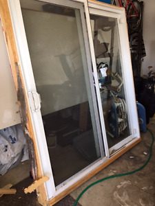 Standard size vinyl exterior sliding patio door