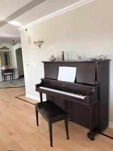 Upright Piano/Piano Droit