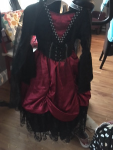 Girls Halloween costumes - size 6x and 5-6