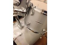"Pearl Forum FZ22"" Rock Drum Kit"
