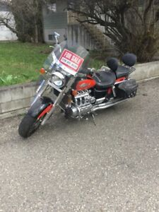1999 Honda Valkyrie new Dunlop tires and battery! $5000