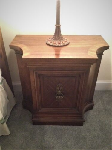 UNIQUE FURNITURE MAKERS Cortlandt Collection Cabinet Nightstand ~ Very Nice!