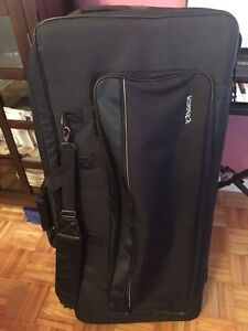 Yamaha YPT-340 DIGITAL KEYBOARD WITH STAND AND CARRYING CASE Cornwall Ontario image 4
