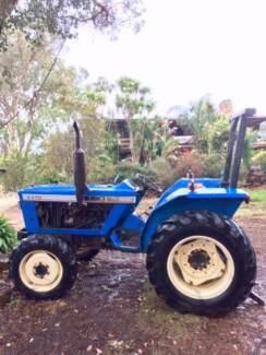 Tractor Iseki 4370     32 Hp