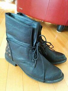 Black Boots (women's)