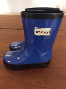 RUBBER BOOTS - CHILDREN - BRAND NEW - SIZE 8