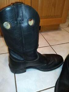 Biker Boots / Steel Toed / Mint / size 10 1/2