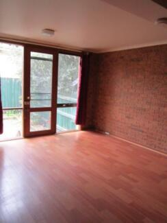 Box Hill townhouse 3 min walk to Shopping Centre & Train/Tram/Bus Box Hill Whitehorse Area Preview