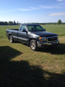 2003 GMC Sierra, reg. cab, 8ft box , 2 wheel drive,,v6,auto,149k