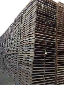 RECYCLED WOOD PALLETS 64 X 48 4 WAY WOOD PALLETS SKIDS Windsor Region Ontario image 2