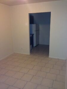2 Bedroom APT $775 Inclusive on University!