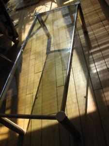 70s belle grande table salon basse chrome et vitre fumée