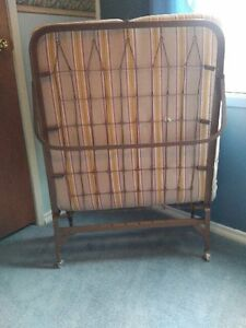 Items Reduced - LIVING RM, BED & DINING ROOM FURNITURE & MORE Windsor Region Ontario image 9