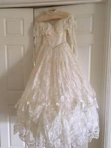 Wedding Dress Lace with matching Vail Size 8-10 Flagstaff Hill Morphett Vale Area Preview