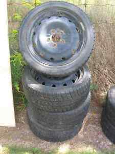 Dunlop 195-60R16 on steel rims London Ontario image 1