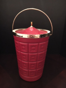 VINTAGE RED MID-CENTURY LUSTRO WARE  INSULATED ICE BUCKET