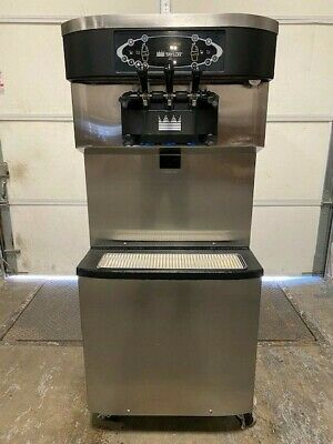 Taylor C713 C713-33 Twin Twist Soft Serve Water Cooled Ice Cream Yogurt Machine