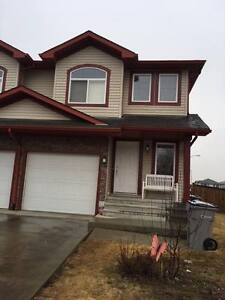 Air Conditioning!! House in Stony Plain for Rent