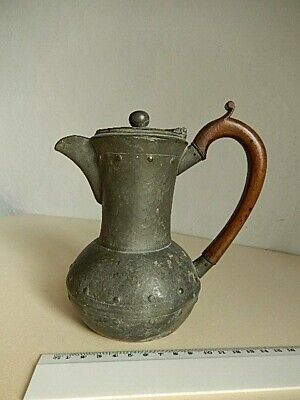 ANTIQUE, HAND HAMMERED PEWTER COFFEE POT 'WALKER & Co' 'HOMELAND' 15 cm tall.