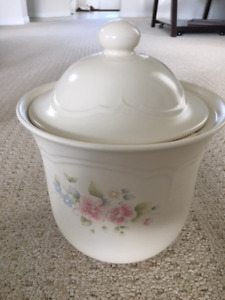 Brand New Never Used Pottery Barn Kids Cookie Jar